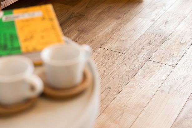 床材 Flooring