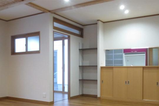 冷暖房を最小限に抑えながら、冬暖かく夏涼しい家を実現する方法